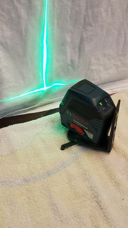 laser de linea verde Bosch usado for Sale in Dallas,  TX