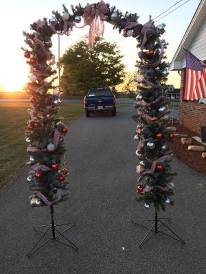 Christmas arch way for Sale in Glade Hill, VA