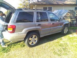 2000 Jeep Cherokee Laredo for Sale in Tulare, CA