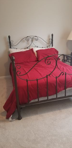 Bed frame, lamps, 2 side tables and foot bench for Sale in Cary, NC