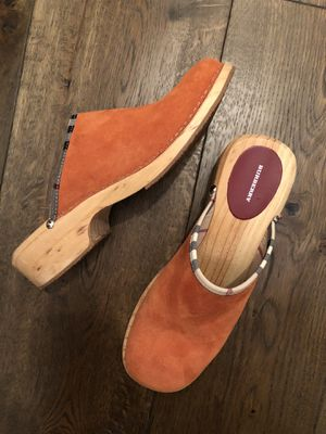 Burberry NEW clogs size 9.5 for Sale in Alpine, NJ