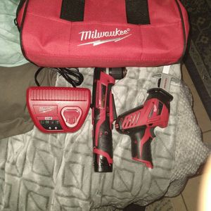 Milwaukee Reciprocating Saw Kit With Milwaukee 3/8 Right Angle Drill for Sale in Oklahoma City, OK
