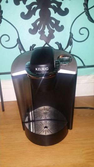 Keurig coffee machine..special edition b60..original price $244..great price $125...works great! for Sale in Modesto, CA