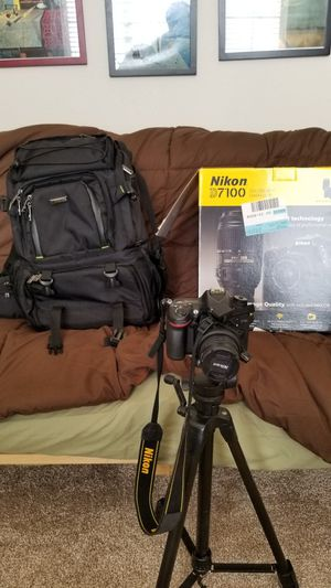 Nikon D7100 Dslr 2 lenses, flash, backpack, and accessories for Sale in Aurora, CO