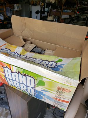 NEW IN BOX Xbox 360 Guitar Hero 5 Wireless Guitar, Band Hero Game & Mic Bundle RARE for Sale in Pompano Beach, FL
