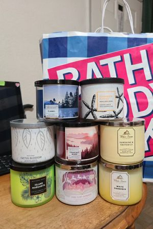 Bath and Body Works Candles for Sale in Los Nietos, CA