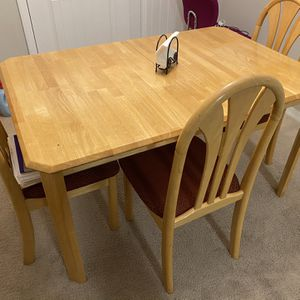 Dining Table And Chairs for Sale in Cary, NC