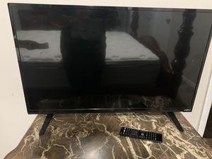 32 Inch Smart TV for Sale in Altamonte Springs, FL