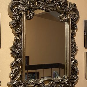 Antique Beautiful Mirror - Like New for Sale in Los Angeles, CA