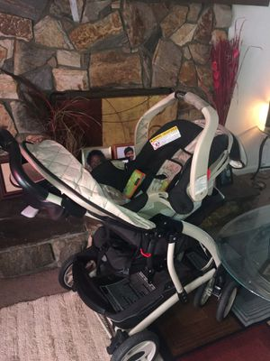 Car seat and stroller set for Sale in Brentwood, NC