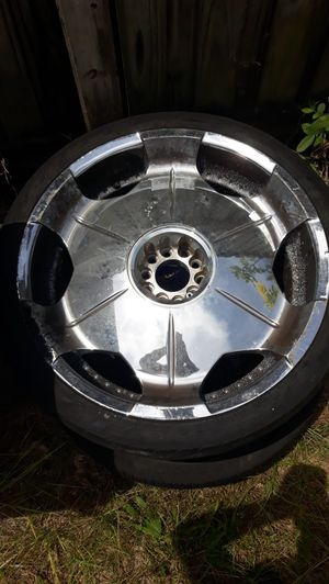 Chrome rims 22s for Sale in Clearwater, FL