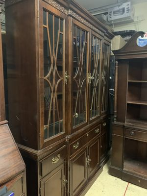 Antique Mahogany China Cabinet for Sale in Lakewood Ranch, FL