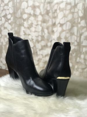 Michael Kors black leather boots for Sale in E RNCHO DMNGZ, CA