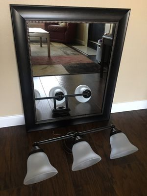 Mirror and vanity light fixture for Sale in Puyallup, WA
