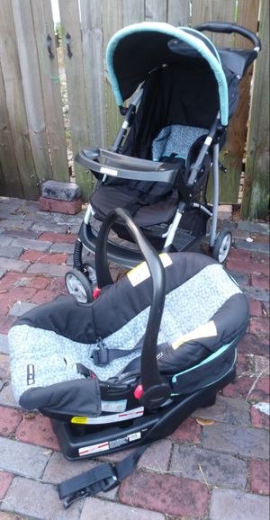 Graco Snugride Travel System for Sale in Tampa, FL