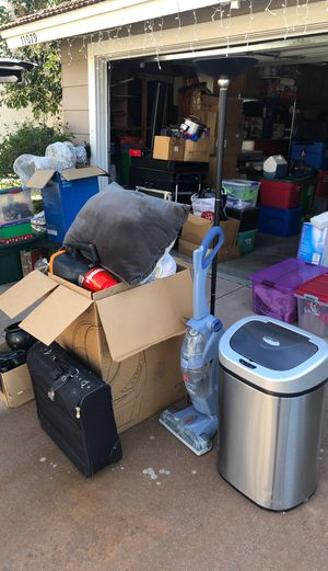 TAKE IT ALL FOR $20!!Floor Cleaner, Auto Trash Can, Suitcase, Tower Lamp and More! for Sale in Rancho Cucamonga, CA