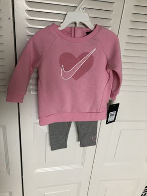 Nike set toddler size 12 months for Sale in Hollywood, FL