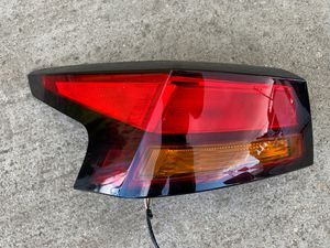 2019-2020 NISSAN ALTIMA TAIL LIGHT LEFT DRIVER SIDE OEM USED for Sale in Torrance, CA