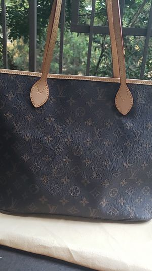 Brown and Red tote ( read DESCRIPTION) for Sale in Lynwood, CA