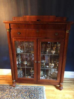 Lexington Furniture Curio for Sale in GREAT NCK PLZ, NY