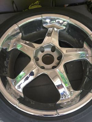 22in rims and tires for sale 500obo they are 6 lugs came off a 2002 Chevy Tahoe need g1 asap {contact info removed} for Sale in Green Bay, WI