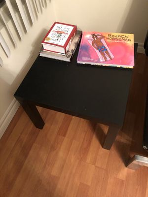"End table (22""x22"") square for Sale in Los Angeles, CA"