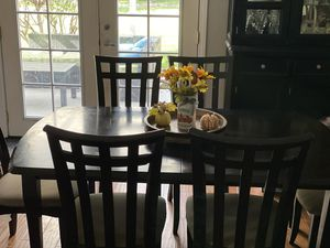 Dining table for 6 with leaf for Sale in Santa Clarita, CA
