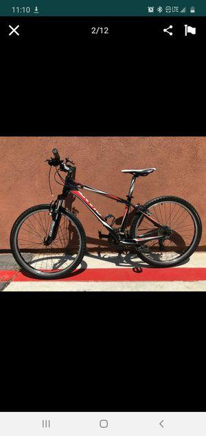 Giant mountain bike for Sale in El Monte, CA