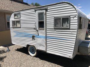 Old vintage camper needs work for Sale in Fruita, CO