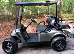 Price$1OOO EZ-GO TXT 2O17 electric golf cart for Sale in Chicago, IL