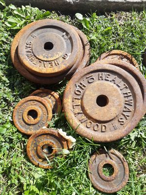 117 and 1/2 lb Hollywood healthways antique weight plates barbell for Sale in Countryside, IL