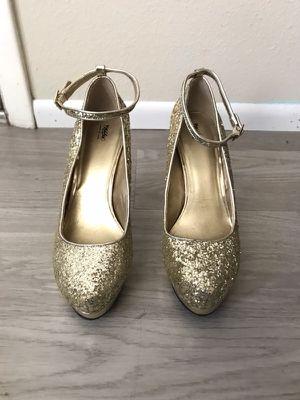 Gold glittery heels for Sale in Port Charlotte, FL