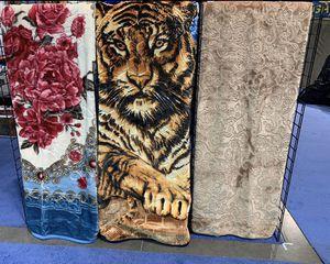 Blankets/Cobijas for Sale in Los Angeles, CA