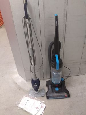 Bissell vacuum cleaner +shark mop for Sale in College Park, GA