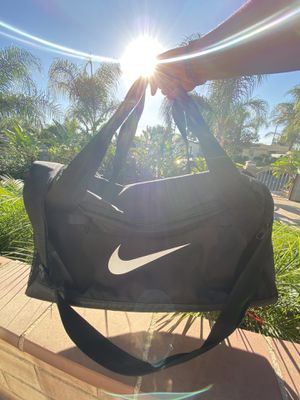 Nike Duffle Bag for Sale in Jurupa Valley, CA
