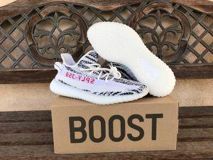 Adidas YEEZY Boost 350 V2 Zebra Mens Size 10 for Sale in Santa Clara, CA