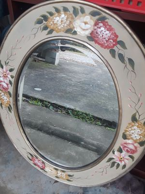 Pretty hand painted mirror. Oval shape for Sale in Hanceville, AL