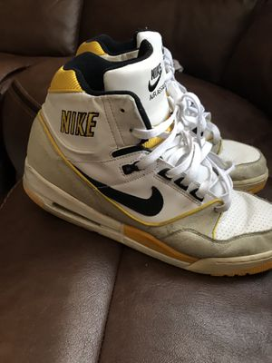 Nike basketball shoes for Sale in Miami Gardens, FL