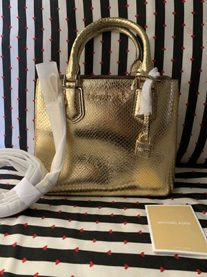 $40 Must go!!! Michael Kors Adele handbag $368 for Sale in Los Angeles, CA
