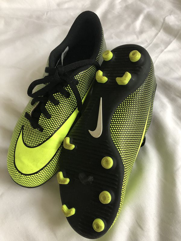 99e560c0d4c Nike youth soccer cleats for Sale in Wheaton