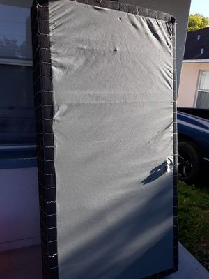 Free Twin Box Spring for Sale in Tampa, FL