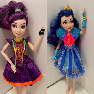 Disney Descendants EVIE Doll Barbie Mal Isle of the Lost with and Neon Lights for Sale in Laurel, MD