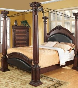 Cherrywood Queen canopy bed frame for Sale in Lake Wales, FL