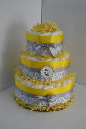Diaper cake, yellow for Sale in Chesapeake, VA