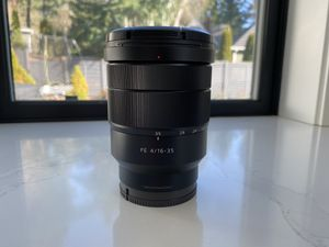 Sony Zeiss 16-35mm f4 for Sale in Lakewood, WA