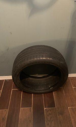 20 inch tire for Sale in Irving, TX