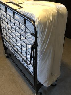 Roll Away Bed for Sale in Puyallup,  WA