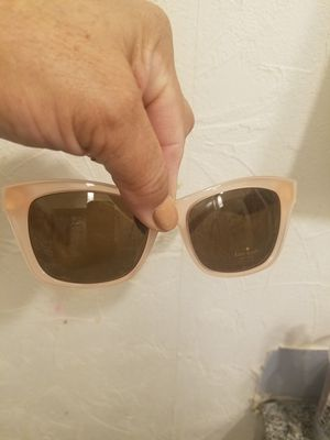 New kate spade sunglasses if up i hve thm dnt ask for Sale in Glen Ellyn, IL