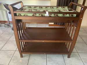 Baby changing table, for Sale in Miami, FL