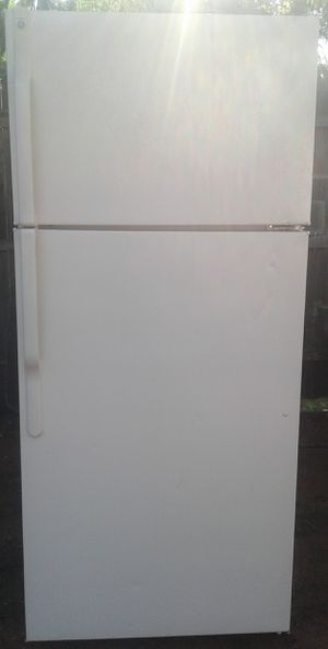 Ge Hotpoint Refrigerator for Sale in Oklahoma City, OK